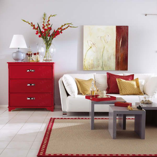 A vibração do vermelho confere personalidade forte ao ambiente.