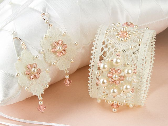 Chantilly Cream Jewelry Set - I don't think I'll ever make this but I thought it was so pretty!