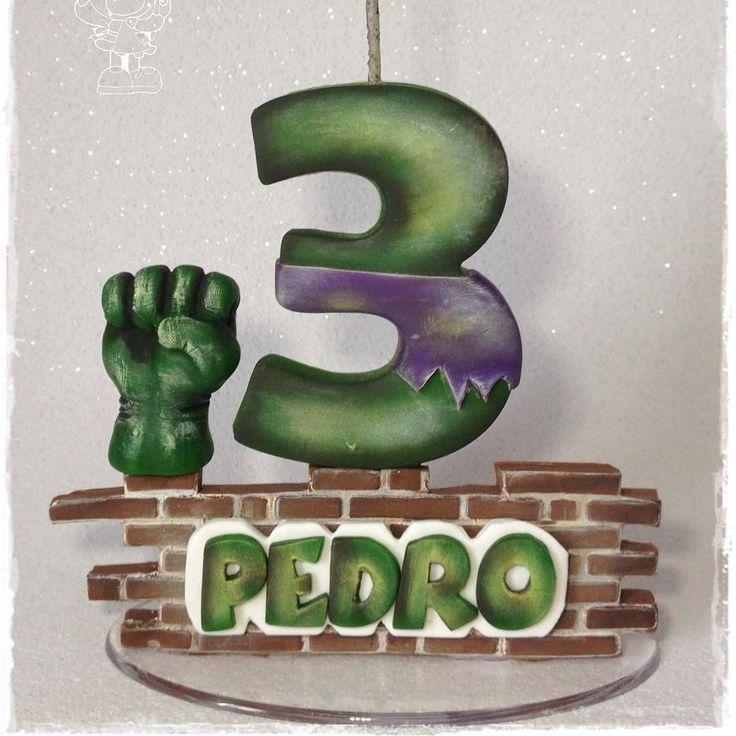 """35 curtidas, 3 comentários - Ju Firmo (@ju.firmo) no Instagram: """"Topinho - Incrível Hulk  #artesdajufirmo #feitoamao #biscuit #porcelanafria #coldporcelain…"""""""