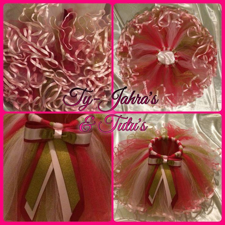 Voor Prinses Rosaly  een Hot Ballerina Angel Crunchy tutu om haar 1e verjaardag nog specialer te maken   Haar Queen mama huilde van blijdschap toen ik de strik op haar hoofdje deed. Wat deed ze mama Queen haar prinsesje de hele outfit aanhad ❤️❤️❓  Bijpassend een rompertje met opdruk dankzij @jdsparklingdesigns  JD Sparkling Designs https://www.facebook.com/JdSparklingDesigns  Have Fun & Enjoy! @tyjahrastutus ✨✨