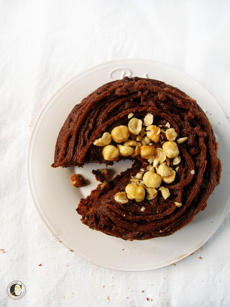 Cucina Ghiotta: Il mio dolce di Natale: torta speziata al cacao con nocciole e gocce dicioccolato