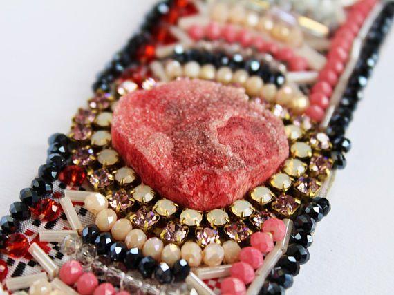 Розовый браслет из агата Друзи Агатовый браслет Розовый агат с драгоценными камнями Широкий браслет из манжеты Браслет из кожи Браслет