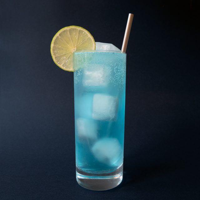 Blue Lagoon (Isbjörn) Drinkrecept på Drinkoteket.se. Här hittar du en mängd recept på enkla och goda drinkar och cocktails online. Välkommen in!