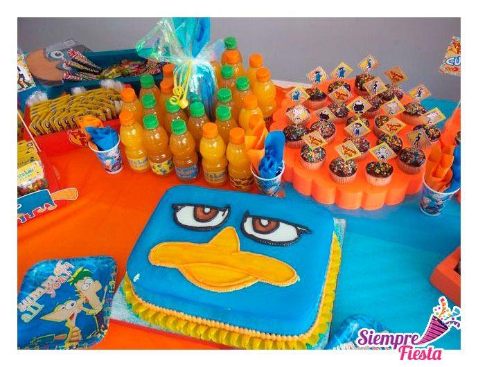 Ideas para tu fiesta de Phineas y Ferb. Encuentra todos nuestros artículos para tu fiesta en este link: http://www.siemprefiesta.com/fiestas-infantiles/ninos/articulos-phineas-y-ferb.html?utm_source=Pinterest&utm_medium=Pin&utm_campaign=Phineas