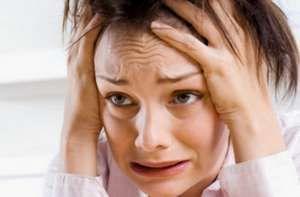 Los ataques de pánico | Podríamos definir el pánico como la máxima ansiedad en situaciones inexplicables. Conoce las causas de los ataques de pánico y sus síntomas más frecuentes, además de las actitudes y pensamientos que pueden ayudarte durante una crisis de pánico. Lee más: https://saludtotal.net/ataques-de-panico/