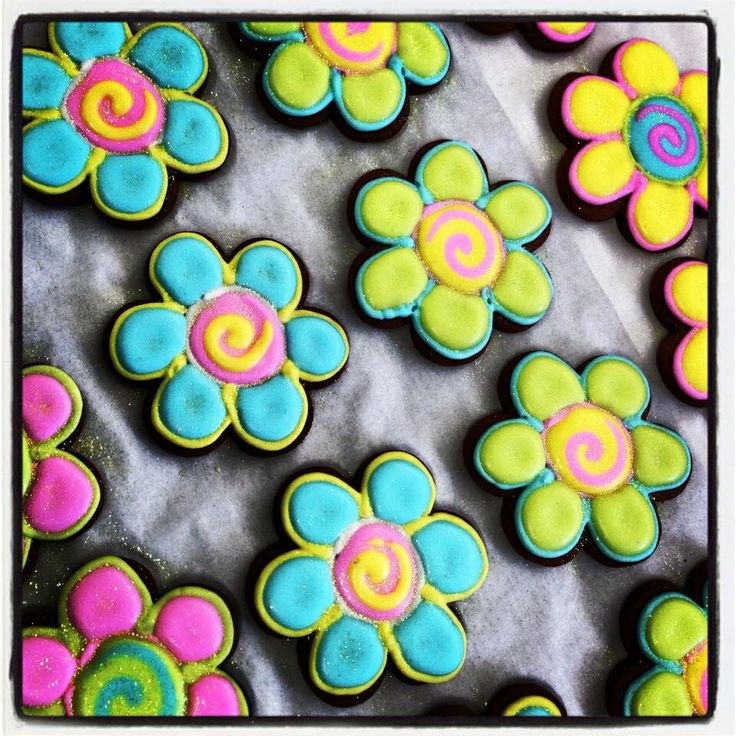 Gingerbread Flower Cookies