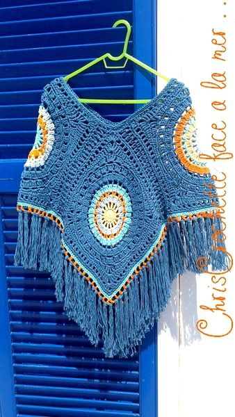 Et voila pour changer un poncho pour cet automne realise en DROPS Paris crochet 5 12 pelotes pour la couleur principale y compris les...