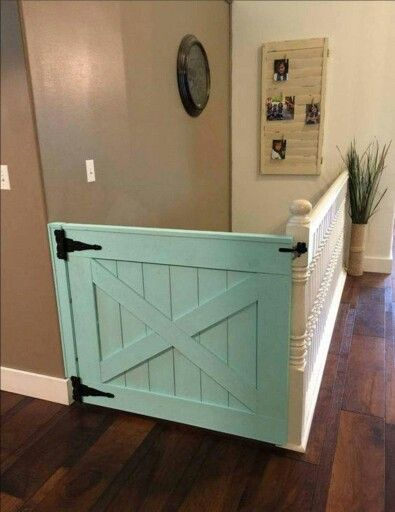 Baby gate, barn style