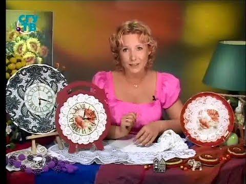 """Обратный декупаж. В технике """"имитация кружева"""" декорируем часы и тарелочку. Мастер класс"""