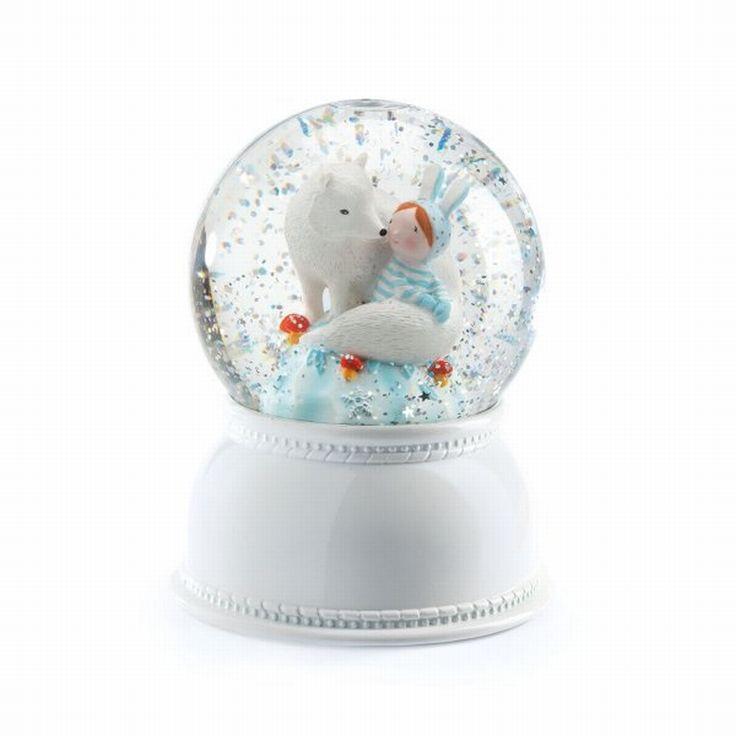 #Fox #Snowglobe #light by #Djeco sneeuwbol lamp witte vos #Kidsroom  From www.kidsdinge.com  http://instagram.com/kidsdinge  https://www.facebook.com/kidsdingecom-Origineel-speelgoed-hebbedingen-voor-hippe-kids-160122710686387/  #toys #Speelgoed #Kidsroom #Kidsdinge