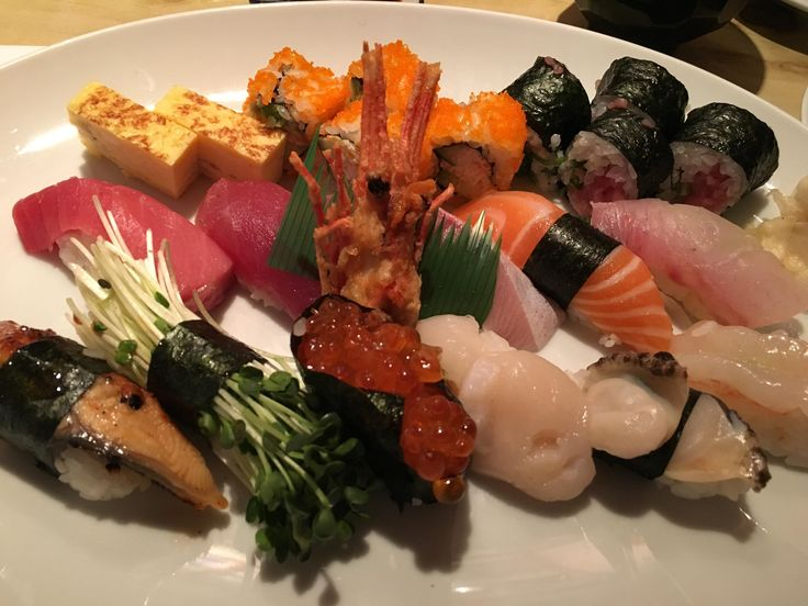Sushi Omakase. I must admit the sushi chef created a great mix of textures. Only thing missing was Uni. Yanagi Sushi in Honolulu Hawaii #sushi #food #foodporn #japanese #Japan #dinner #sashimi #yummy #foodie #lunch #yum