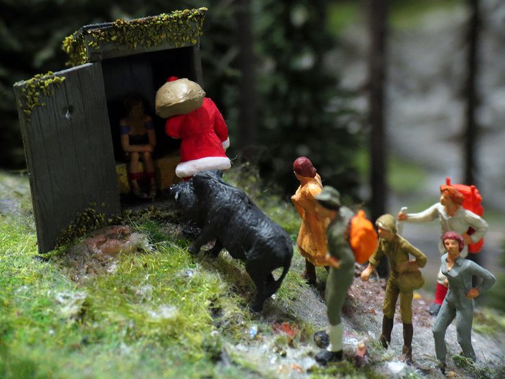 https://flic.kr/p/jGrhKe | If you gotta go... | So what do you do if you gotta go in the middle of the woods? Right, look for an outhouse. *LOL* Whoever comes up with these displays has a rather childish sense of humor, which of course works well for all the children visiting the exhibit. They had loads of fun. Picture taken at the Miniatur Wunderland in Hamburg, Germany.