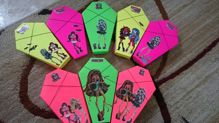 Monster high favours