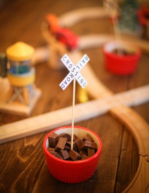 RR CROSSING DECORATION -Thomas the Train, Thomas and friends, DIY boys 3rd birhtday party on a budget, dime, under $100, How to on our blog, decorations, tips, ideas, tutorials
