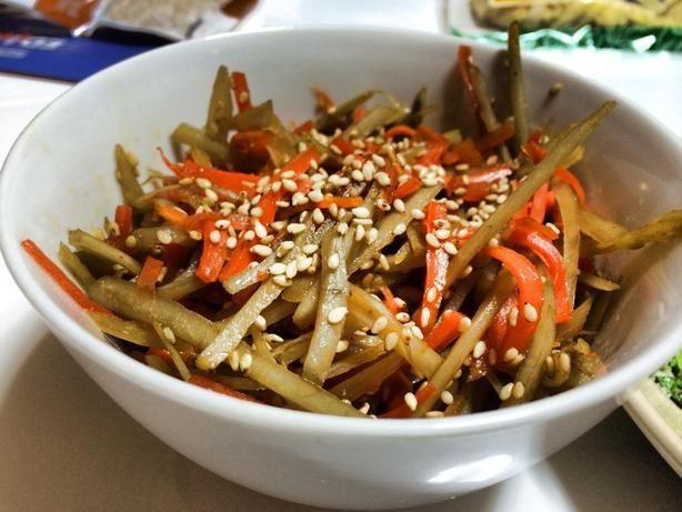 Kinpira Gobo (Braised Carrot & Burdock Root)