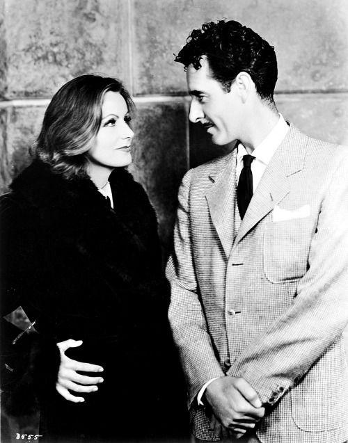 Greta Garbo and John Gilbert promoting their film Queen Christina in 1933.-2