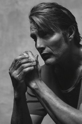 I need therapy, like NOW!!!!!!! What the hell is Mads Mikkelsen doing to me!!!!!