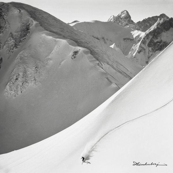 schwarz wei foto kaufen einmaliges historisches bild von skifahrer auf leinwand und anderen. Black Bedroom Furniture Sets. Home Design Ideas