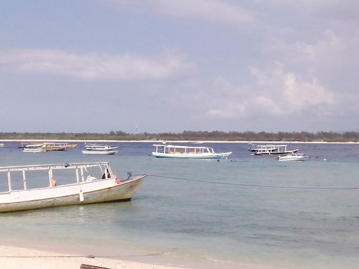 Boat for Diving, Snorkling or Islands Hopping