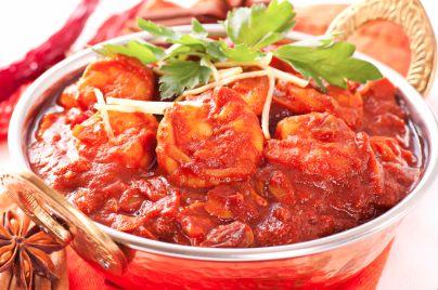 Am LOVING this prawn & coconut curry - YUM. http://www.losebabyweight.com.au/2012/03/prawn-coconut-tomato-curry-recipe/