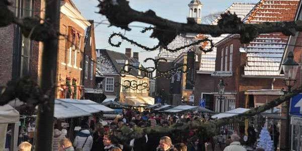 De intieme kerstverlichting in de smalle straatjes van het historische centrum van Ootmarsum ademt één en al magische sfeer. Beleef Kerst & Kunst met kunstenaars, kerstmuziek en het romantische decor die zorgen voor het ultieme kerstgevoel.