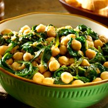 For a warm and comforting side dish, try this classic Spanish recipe of chick peas and spinach, or Garbanzos con Espinacas. This recipe is chock full of protein-packed GOYA® Chick Peas and healthy chopped spinach that cooks gently in paprika-spiked olive oil until warm and brimming with flavor. The best part: with all of those healthy ingredients, you can feel even better about dishing out second servings!