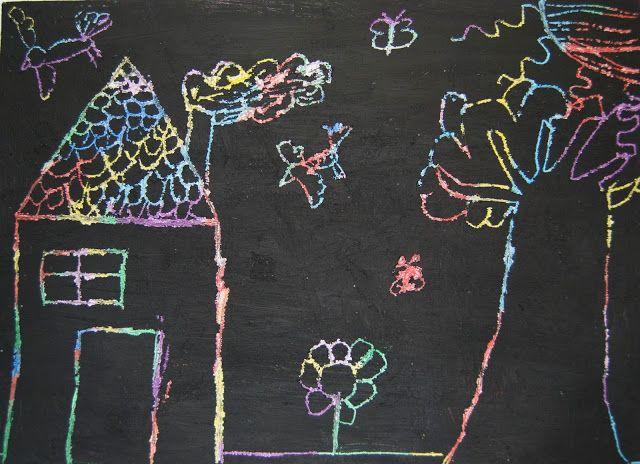 Con las ceras Manley, primero se pintará una base con diferentes colores para después cubrirlo con cera negra. Por último, con un palillo, el niño podrá dibujar de manera libre.
