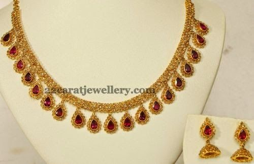 Jewellery Designs: Exquisitely Crafted Uncut Choker