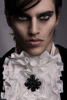 Imagen maquillaje-para-hombres-halloween-2014-vampiros del artículo Fotos de Maquillaje Halloween para hombres 2016