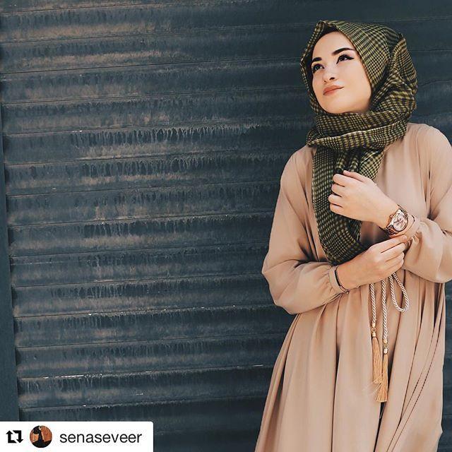 Hayırlı akşamlar hanımlar Toprak tonu ferace detaylı fotoğraflar sayfada mevcut Sipariş whatsaap 05321138995 veya dm Bedenler 36 38 40 Boy 142 cm Kumaş Medine İpeği Ceplidir Fiyat 235 tl Ürünler faturalı ve kapıda ödeme seceneği ile Kart ile satın almak isteyen müşteriler www.butikgez.com dan sipariş verebilirler #fashionista #fashiondesign #shoping #fashionstyle #fashiondiaries #fashionlover #fashionlovers