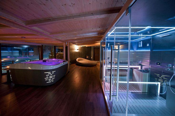 espace wellness avec un spa j 500 et un sasha le combin. Black Bedroom Furniture Sets. Home Design Ideas