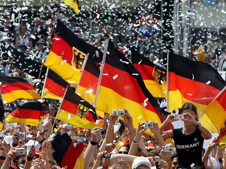 ARD Live Stream & ZDF Mediathek: Wiederholung der Ankunft & Empfang DFB-Nationalmannschaft - WM-Party aus Berlin am Brandenburger Tor online schauen