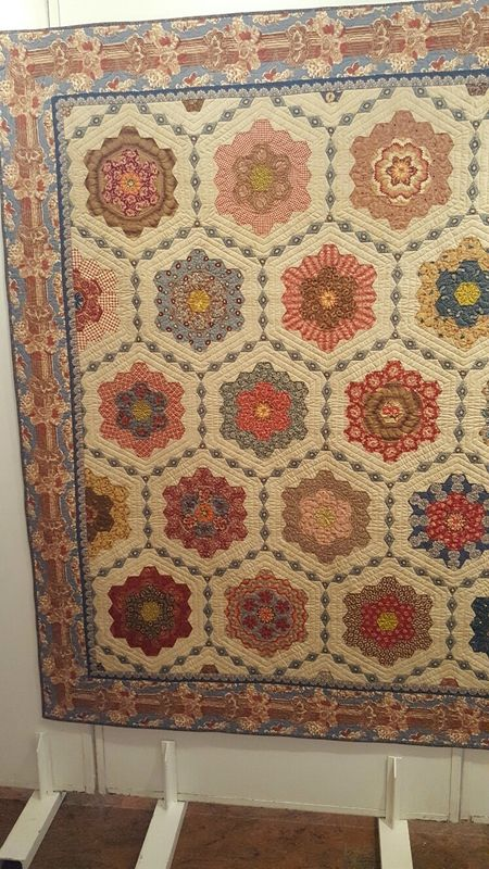 1000 id es sur le th me patchwork hexagonal sur pinterest for Francenne carrelage