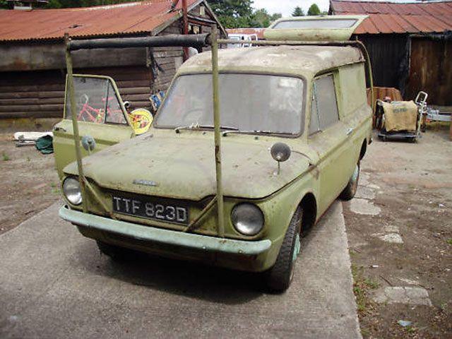 Imp van-back Estate TTF823D-Commer-Imp-van-1.jpg 640×480 pixels