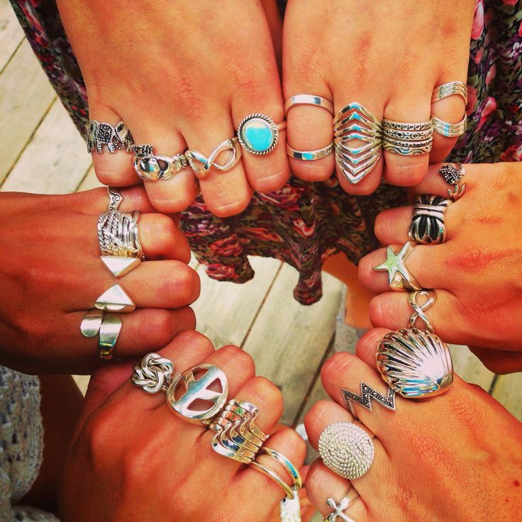 The seashell ring is Ridiculous...i want it!