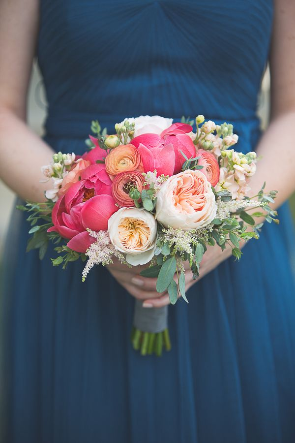 Love the contrast of colors| Lakeside Spring Wedding at Innsbrook Resort|Photographer:  k.s.h. designs photography