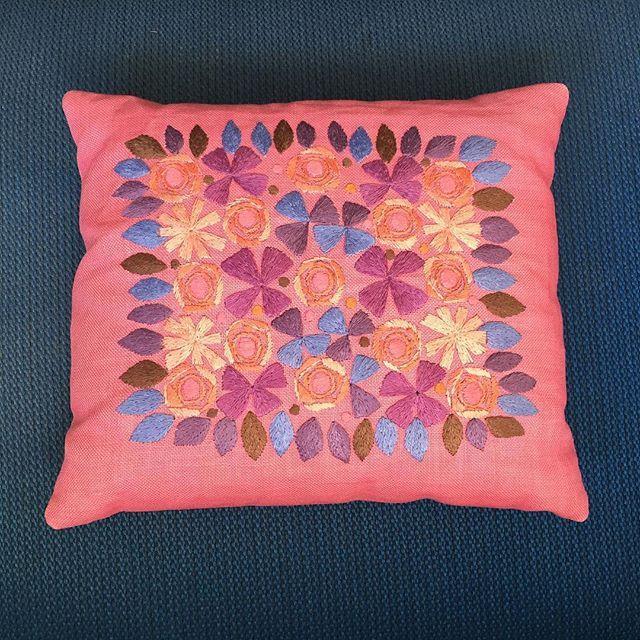 Retro embroidery - Broderad linnekuddar från 50-60 talet