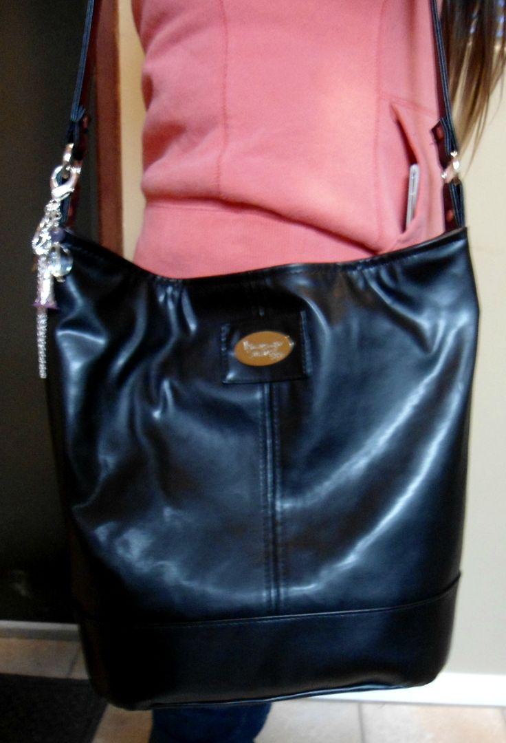 Custom Bonnie - one side black leather