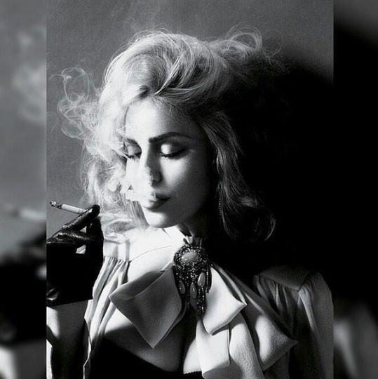 """FOTO: Madonna se desnuda en Instagram para criticar la """"hipocresía de los medios sociales"""" – Publinews"""