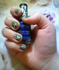 Nail Rock blu e giallo