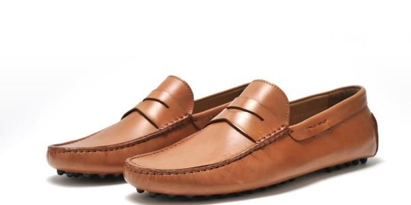 The Royal driver moccasin is sure to help you always play your cards right. Casual and comfortable, you will never want this pair to leave your feet. Take your wardrobe to the next level with this great pair of formal dress shoes for men! Shop for Men's Dress Shoes Online - Free Shipping when you Buy Men's Designer Shoes from PairofKingsShoes.com online shoe store. Men's Classic Dress Shoes for less than $200, Oxfords, Loafers, Boots and more. Compare with Designer Shoe Brands lik...
