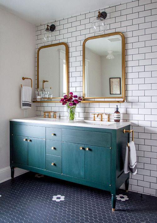 This bathroom is gorgeous.