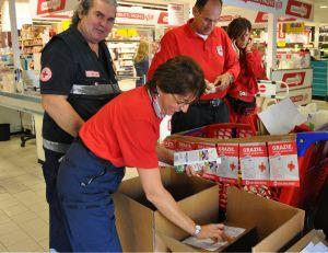 Si è svolta oggi, sabato 14 settembre, la raccolta alimentare organizzata dalla Croce Rossa Italiana presso i numerosi centri commerciali Carefour in provincia di Torino