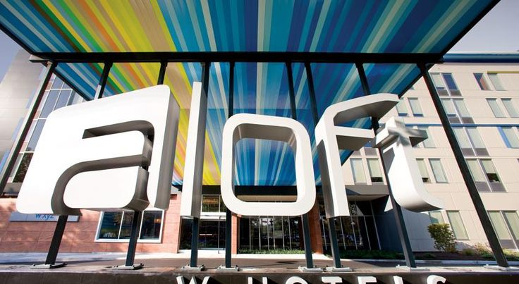 Aloft Scottsdale Scottsdale Featuring free WiFi and an outdoor pool, Aloft Scottsdale offers pet-friendly accommodation in Scottsdale, 5 km from Desert Botanical Gardens.