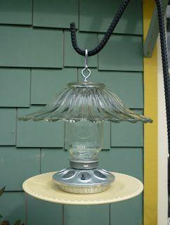 Mi Arte Del Jardin: Bird Feeders She has some wonderful ideas
