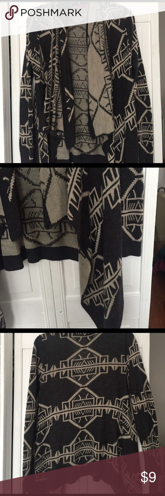 Tribal print cardigan Loose, comfy cardigan. Very flowy and can dress up or down. Sweaters Cardigans