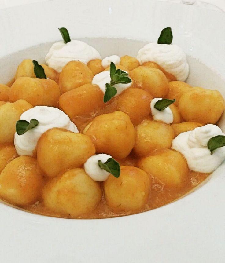 Gnocchi con peperoni e maggiorana #food #arlu #ristorantearlu #borgopio #restaurant