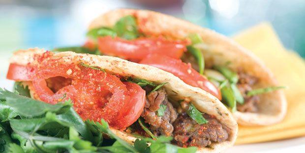 Tacos de bavette de boeuf grillée, salsa piquante