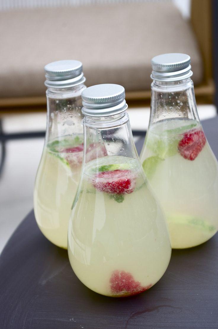 Limonade met gember, limoen en framboos. Yummie!