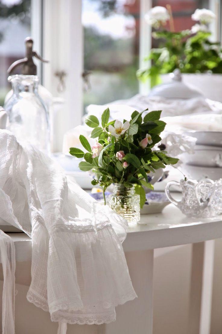 White stuff gateaux apron - White Dream Cottage